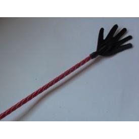 Короткий красный плетеный стек с наконечником-ладошкой - 70 см.